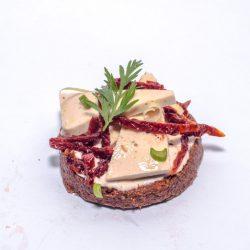 Vegán sajtos szendvics