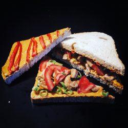 Paprikás csirkés háromszög szendvics