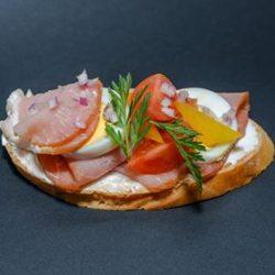 Angolszalonnás szendvics